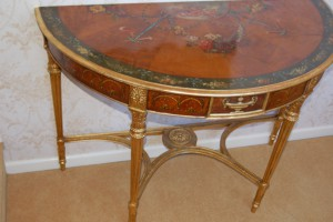 Fine GIII Satinwood painted decorated side table