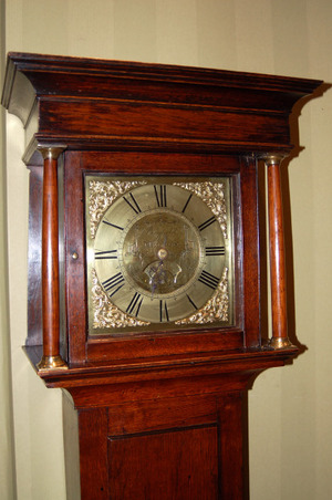 Lovely 30 hour grandfather clock in oak case